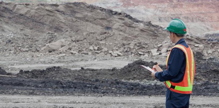 La extracción de recursos es una de las orientaciones profesionales de la ingeniería de minas.