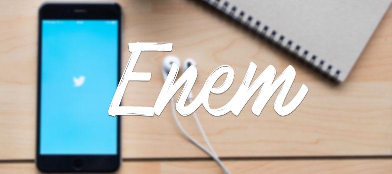<p>Nos dias 5 e 6 de novembro acontece o <strong>Enem 2016</strong>, e os usuários do <a href=https://twitter.com/hashtag/minhadicaenem?src=hash title=Twitter target=_blank>Twitter</a>já começaram a compartilhar as suas dicas. Desde estratégias para a prova até ideias do que vestir no dia da prova, as dicas com certeza vão garantir que você vá bem na prova!</p><p><span style=color: #333333;><strong>Leia também:</strong></span><br/><a href=https://noticias.universia.com.br/tag/notícias-enem-2016 title=Enem 2016>» <strong>Todas as notícias sobre Enem 2016<br/></strong></a><span><br/>A seguir estão os <strong>conselhos das redes sociais para ir bem no Enem 2016</strong>. Poste as suas ideias também, e não esqueça de usar a hashtag</span><strong>#MinhaDicaEnem</strong><span>!<br/><br/><img src=https://imagenes.universia.net/gc/net/images/educacion/m/mi/min/minha-dica-enem-agua-pergunta-interpretacao.jpg alt=minha-dica-enem-agua-pergunta-interpretacao title=#minhadicaenem height=242 width=500/><br/></span></p><p><img src=https://imagenes.universia.net/gc/net/images/educacion/m/mi/min/minha-dica-enem-clube-imperador.jpg alt=minha-dica-enem-clube-imperador title=minha-dica-enem-clube-imperador height=242 width=500/><br/><br/><br/><img src=https://imagenes.universia.net/gc/net/images/educacion/m/mi/min/minha-dica-enem-interpretacao-de-texto.jpg alt=minha-dica-enem-interpretacao-de-texto title=minha-dica-enem-interpretacao-de-texto height=242 width=500/></p><p><br/><img src=https://imagenes.universia.net/gc/net/images/educacion/m/mi/min/minha-dica-enem-nervosismo-acreditar-sempre.jpg alt=minha-dica-enem-nervosismo-acreditar-sempre title=minha-dica-enem-nervosismo-acreditar-sempre height=242 width=500/><br/><br/><img src=https://imagenes.universia.net/gc/net/images/educacion/m/mi/min/minha-dica-enem-ordem-correta-respostas.jpg alt=minha-dica-enem-ordem-correta-respostas title=minha-dica-enem-ordem-correta-respostas height=242 width=500/></p><p><br/><img src=https://imagenes.u