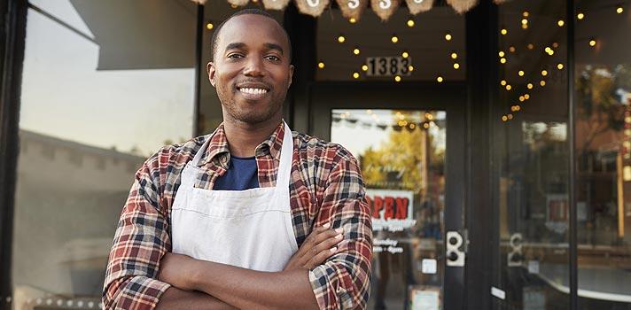 Erros que pequenos negócios cometem quando o assunto é dinheiro e como evitá-los