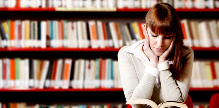 ¿Es preferible estudiar en la biblioteca o desde casa?