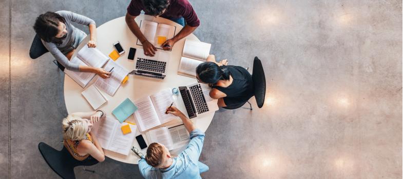 As vantagens e desvantagens de estudar em grupo