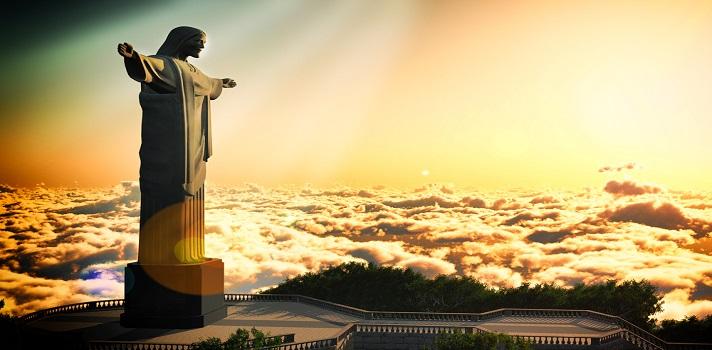 """<p dir=ltr>Preparar un viaje es casi tan emocionante como realizarlo. Desde la lista de """"cosas que no debo olvidar"""", hasta guardar la última prenda del equipaje, los viajes se disfrutan en tres fases: cuando se planean, cuando se viven y cuando se recuerdan.</p><p>Si estás considerando la idea de <strong>estudiar en el extranjero</strong>, sin dudas, <a title=Brasil href=https://universidades-iberoamericanas.universia.net/brasil/a target=_blank>Brasil</a>es una muy buena opción.</p><p>En este país, tener un título de nivel terciario significa que podrás estar en condiciones de percibir un salario superior que quienes no dispongan de ese nivel educativo. Según datos de la Organización para la Cooperación y el Desarrollo Económico (<a title=OCDE href=https://www.oecd.org/ target=_blank>OCDE</a>), <strong>el índice de empleo para los adultos con ese nivel alcanza el 85%</strong>. Además, se estima que los profesionales perciben un salario del 157% superior a las personas que no han realizado estudios universitarios.</p><p>Hoy en Universia te presentamos algunos puntos que debes tener en cuenta para viajar a este maravilloso país.</p><p><strong>Pasaporte y visa</strong></p><p>Este es uno de los puntos más importantes para viajar a Brasil. Es fundamental que tengas tu pasaporte vigente. Por otro lado, ten presente que la obligatoriedad de presentar visa depende de los acuerdos que tenga Brasil con el resto de los países. Según los principios de libre circulación de personas, los turistas de los países del Mercosur sólo necesitan su carné de identidad. Los de Perú, deberán presentar el pasaporte en regla con una validez mínima de 6 meses.</p><p><strong>Aduana</strong></p><p dir=ltr>Los trámites para cruzar la aduana no suelen plantear problemas. En términos generales, solo tendrán que superar los controles de equipaje. Recuerda declarar aquellos equipos digitales o tecnológicos, los artículos punzantes y los aeroles. Está permitido llevar objetos para uso personal, tales """