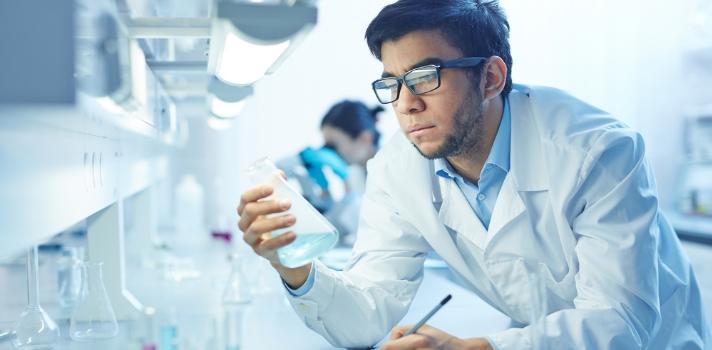 Química es una carrera con alta empleabilidad y especializaciones muy demandadas