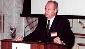 Dr. Mario Mena.