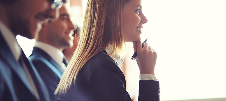 <p>No período pré-vestibular, a preocupação em conseguir aprender e revisar todos os conteúdos necessários aumenta a pressão para os estudantes. Isso pode fazer com que, além de realizarem muitas tarefas ao mesmo tempo, os alunos <a title=Aprenda a aumentar sua concentração href=https://noticias.universia.com.br/carreira/noticia/2015/09/25/1131553/aprenda-aumentar-concentracao.html>diminuam seus índices de concentração</a>. Para que isso não aconteça com você e consiga ingressar no curso dos seus sonhos, <strong> veja as dicas: </strong></p><p></p><p><span style=color: #333333;><strong>Você pode ler também:</strong></span><br/><a style=color: #ff0000; text-decoration: none; text-weight: bold; title=Crianças hiperativas e com déficit de atenção sofrem mais bullying, diz estudo href=https://noticias.universia.com.br/destaque/noticia/2015/11/26/1134162/criancas-hiperativas-deficit-atencao-sofrem-bullyi ng-diz-estudo.html>» <strong>Crianças hiperativas e com déficit de atenção sofrem mais bullying, diz estudo</strong></a><br/><a style=color: #ff0000; text-decoration: none; text-weight: bold; title=Prestar atenção pode ser a chave para melhorar sua comunicação. Entenda href=https://noticias.universia.com.br/carreira/noticia/2015/05/21/1125488/prestar-atenco-pode-chave-melhorar-comunicaco-e ntenda.html>» <strong>Prestar atenção pode ser a chave para melhorar sua comunicação. Entenda</strong></a><br/><a style=color: #ff0000; text-decoration: none; text-weight: bold; title=Todas as notícias de Educação href=https://noticias.universia.com.br/educacao>» <strong>Todas as notícias de Educação</strong></a></p><p></p><p><strong> 1 – Medite</strong></p><p>A meditação pode ajudá-lo a se concentrar melhor nos estudos. Dedique alguns minutos do seu dia à prática. Caso você não saiba como meditar, procure tutoriais na internet ou um professor especializado no assunto para ajudá-lo.</p><p></p><p><strong> 2 – Pare de fazer muitas atividades ao mesmo tempo</strong></p><p>Ao realizar muit