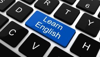 <p style=text-align: justify;>Estos canales de <strong><a href=https://www.youtube.com/ rel=me nofollow> YouTube</a></strong> para aprender inglés son perfectos para aprender a pronunciar, conocer la gramática e incluso acercarse a otras culturas. De esta forma, cualquiera que disponga de una computadora está a tiempo de aprender inglés.</p><p style=text-align: justify;></p><p style=text-align: justify;><strong>Lee también</strong><br/><a style=color: #ff0000; text-decoration: none; title=5 formas divertidas de aprender inglés href=https://noticias.universia.edu.pe/en-portada/noticia/2014/03/27/1091712/5-formas-divertidas-aprender-ingles.html>» <strong>5 formas divertidas de aprender inglés</strong></a><br/><a style=color: #ff0000; text-decoration: none; title=¿Cómo aprender inglés sin salir del país? href=https://noticias.universia.edu.pe/vida-universitaria/noticia/2013/01/22/995828/aprender-ingles-salir-pais.html>» <strong>¿Cómo aprender inglés sin salir del país?</strong></a></p><p style=text-align: justify;></p><p style=text-align: justify;></p><p style=text-align: justify;>Diviértete con los más pequeños de la casa o comparte los videos con tus amigos. Pronto verás que esta es tu mejor opción si eres de aquellos que dispone de poco tiempo debido a un horario complicado.</p><p style=text-align: justify;></p><p style=text-align: justify;>Toma nota, éstos son los mejores canales de YouTube que te ayudarán a la hora de <strong>aprender inglés</strong>.</p><p style=text-align: justify;></p><p style=text-align: justify;><strong><a href=https://www.youtube.com/watch?v=MwZwh8xJ_Ng&list=PLRJJVNxJ5c706xIkMhC1MTlVVHKwuF7L5 rel=me nofollow> Common Daily Expressions</a></strong> – Aquí encontrarás una gran cantidad de videos útiles para aprender un idioma. Su capacidad de integrar imágenes atractivas es una herramienta útil para todos quienes tienen memoria visual.</p><p style=text-align: justify;></p><p style=text-align: justify;><strong><a href=https://www.youtube.com/use