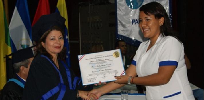 La UDELAS otorga diploma a 234 nuevos profesionales