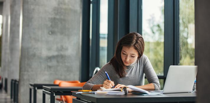 Os estudantes devem elaborar um plano de estudos para ter sucesso