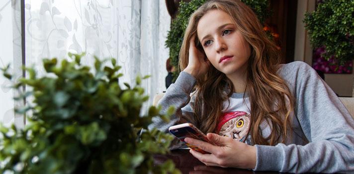 Os smartphones são o primeiro contacto de muitas crianças e jovens com a tecnologia. Aprender a programar neste dispositivo é possível