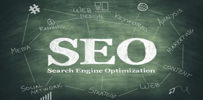 <p>Llevar un <strong>blog propio</strong> de manera óptima supone un importante trabajo de dedicación, creación de contenidos de calidad e investigación sobre las nuevas tendencias predominantes en la web. En este sentido, es importante contar con <strong>conocimientos sobre SEO</strong> (<em>Search Engine Optimization</em> en inglés) para posicionar los contenidos de la mejor manera y hacer buen uso de las herramientas de <strong>publicación y difusión</strong> que nos brinda Internet.<br/><br/></p><blockquote style=text-align: center;>Si quieres crear tu propia página web, <a href=https://www.hostgator.com/?clickid=WA5ySE2OF1OIyOlVky2LeTJrUkk3ukR3qzvzSI0&irgwc=1 class=enlaces_med_ecommerce title=ingresa a HostGator target=_blank id=HOSTGATOR>ingresa a HostGator</a> y descubre los mejores servicios de hosting y asesoramiento<br/><br/></blockquote><p>Cuando se tiene una <strong>página web</strong>, una de los objetivos más importantes es tener una buena cantidad de tráfico y la mejor manera de atraerlo es mediante <strong>los motores de búsqueda</strong> y un buen <strong>posicionamiento web</strong>. El SEO es de vital importancia tanto para los usuarios, como para los motores de búsqueda, para entender sobre qué trata tu blog y dar una mejor información al público.<br/><br/></p><p>Pero como todo lo asociado a las nuevas tecnologías e Internet, el <strong>SEO ha cambiado drásticamente</strong> en los últimos años y es importante conocer las nuevas reglas y tendencias que dominan a este mundo virtual. De acuerdo a la consultora <a href=https://moz.com/ title=Moz Inc target=_blank rel=me nofollow>Moz Inc</a>, para este 2016 ya no tendrán tanta relevancia las<strong> palabras clave</strong> y no se hará énfasis en la brevedad de los artículos, sino que será más relevante <strong>la experiencia del usuario</strong> y la originalidad de las imágenes.<br/><br/></p><p>A continuación, te ofrecemos una infografía con las <strong>principales reglas SEO para este 2016</strong