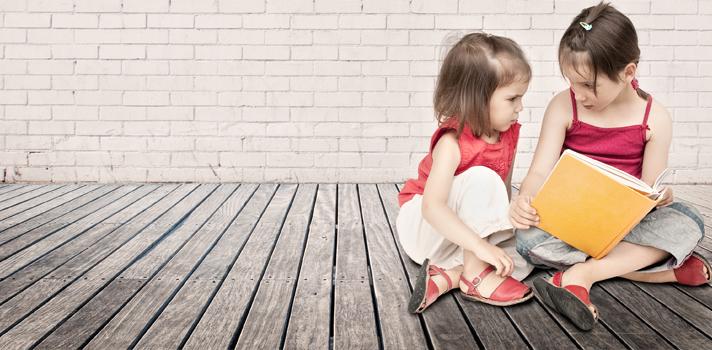 <p>Além dos <a title=20 livros de literatura infantil para download gratuito href=https://noticias.universia.com.br/destaque/noticia/2011/12/09/896961/20-livros-literatura-infantil-download-gratuito.html>livros infantis entreterem as crianças</a>, possuem ensinamentos que deveriam ser aprendidos também pelos adultos. Na fase adulta, as pessoas são capazes de entender melhor algumas mensagens passadas pelas publicações. Por isso, <strong> confira 10 frases de livros infantis que você deve conhecer:<br/><br/></strong><span style=color: #333333;><strong><br/>Veja também:</strong></span><strong><br/></strong></p><p><a style=color: #ff0000; text-decoration: none; text-weight: bold; title=7 livros imperdíveis que todo professor deve ler href=https://noticias.universia.com.br/destaque/noticia/2015/10/01/1131913/7-livros-imperdiveis-todo-professor- deve-ler.html>» <strong>7 livros imperdíveis que todo professor deve ler</strong></a><br/><a style=color: #ff0000; text-decoration: none; text-weight: bold; title=Técnica ajuda a ler até trinta livros por ano href=https://noticias.universia.com.br/destaque/noticia/2015/09/18/1131428/tecnica-ajuda-ler-trinta-livros-ano.ht ml>» <strong>Técnica ajuda a ler até trinta livros por ano</strong></a><br/><a style=color: #ff0000; text-decoration: none; text-weight: bold; title=Todas as notícias de Cultura href=https://noticias.universia.com.br/cultura>» <strong>Todas as notícias de Cultura</strong></a></p><p><br/><img src=https://imagenes.universia.net/gc/net/images/educacion/f/fr/fra/frase-alice-no-pais-das-maravilhas.jpg alt=width=undefined height=undefined/><br/><br/><br/><img src=https://imagenes.universia.net/gc/net/images/educacion/f/fr/fra/frase-dr-seuss.jpg alt=width=undefined height=undefined/><br/><br/><br/><img src=https://imagenes.universia.net/gc/net/images/educacion/f/fr/fra/frase-harry-potter.jpg alt=width=undefined height=undefined/></p><p></p><p><img src=https://imagenes.universia.net/gc/net/images/educacion/f/fr/fra/frase
