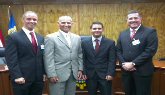 El estudiante, también ha tenido la oportunidad de formar parte de otros internados, el Internado Legislativo Jorge Alberto Ramos Comas, por ejemplo.