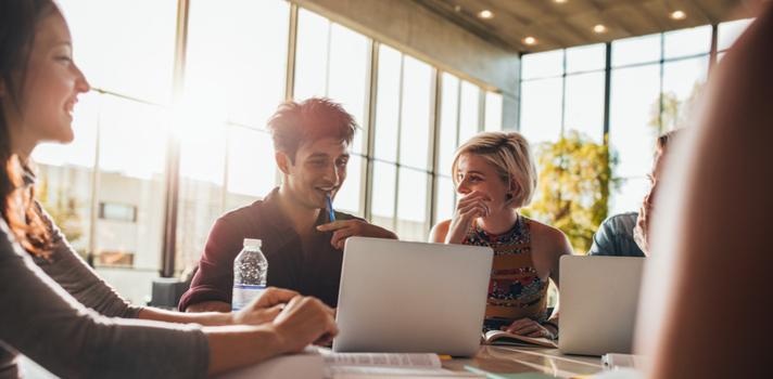 En los pasados 3 años, la facultad se distinguió por publicaciones en revistas académicas de alto nivel como Journal of Industrial Marketing