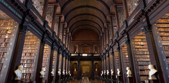 Long Room es el nombre de la Biblioteca de Trinity College
