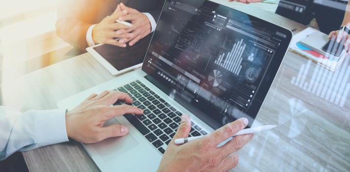 """El Premio tiene el objetivo de fomentar el desarrollo de trabajos de investigación que tengan como base de su estudio el campo de las """"corporate finance"""""""