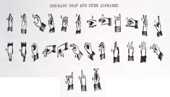 <p style=text-align: justify;>El <strong>lenguaje de señas</strong> es utilizado por las personas que no pueden hablar o escuchar por sí mismas. De todos modos, aprender a comunicarse a través de este lenguaje puede ampliarte las posibilidades laborales y además acercarte a personas con algún problema de audición o mudez. Con el fin de que te aventures en este aprendizaje, en esta nota te damos<strong> algunos consejos</strong>.</p><p style=text-align: justify;></p><p style=text-align: justify;><strong>Lee también</strong></p><p style=text-align: justify;><br/><a style=color: #ff0000; text-decoration: none; title=Salud auditiva: solo el 14,5% se realiza controles href=https://noticias.universia.com.ar/ciencia-nn-tt/noticia/2014/10/28/1113946/salud-auditiva-solo-14-5-realiza-controles.html>» <strong>Salud auditiva: solo el 14,5% se realiza controles</strong></a><br/><a style=color: #ff0000; text-decoration: none; title=Los 5 idiomas que te serán útiles en el mercado laboral href=https://noticias.universia.com.ar/en-portada/noticia/2012/12/06/987027/30-adolescentes-sufrira-problemas-audicion-exponerse-ruido.html><br/></a></p><h4>1) Anotate en un curso de lenguaje de señas</h4><p style=text-align: justify;>Actualmente existen algunas universidades locales y centros comunitarios que ofrecen cursos de lenguaje de señas. Si ves alguna oferta educativa de este tipo, no la dejes pasar.</p><p style=text-align: justify;></p><h4>2) Realizá cursos gratuitos online</h4><p style=text-align: justify;>Si no tenés el tiempo suficiente para reailzar un curso prsencial, una buena opción consiste en realizar un MOOC o aprender gracias a videos colgados en páginas de internet, por ejemplo<strong><a title=aslpro.com href=https://www.aslpro.com/ target=_blank rel=me nofollow>aslpro.com</a></strong>o<strong><a title=lifeprint.com href=https://www.lifeprint.com/ target=_blank rel=me nofollow>lifeprint.com</a></strong>.</p><h4></h4><h4>3) Leé libros específicos</h4><p style=text-align: justi