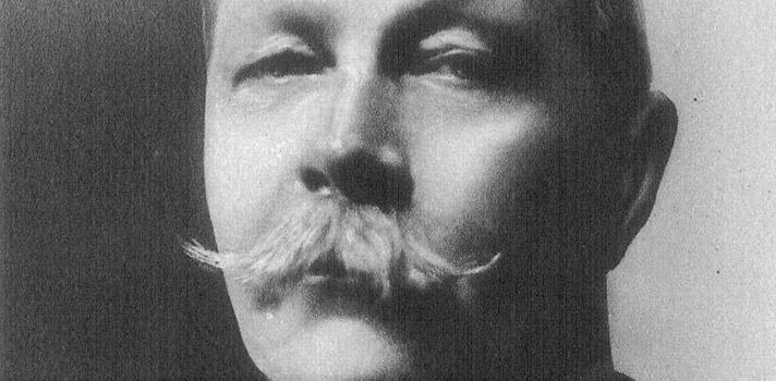 Conheça a história de Arthur Conan Doyle e faça download de 20 livros