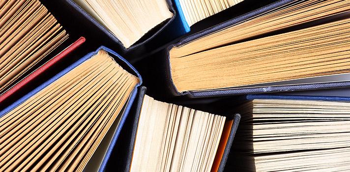 Confira 12 livros indicados por Ernest Hemingway a jovens escritores; baixe as obras