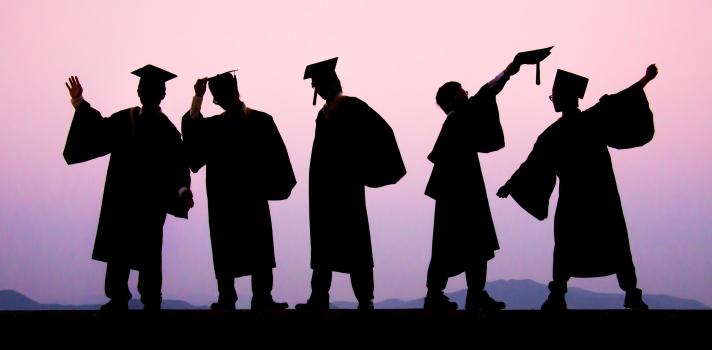 La ceremonia de graduación marca el final de tu etapa como estudiante y el comienzo de tu andadura profesional