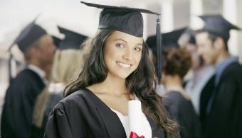 Más mujeres que hombres llegan a la universidad en Puerto Rico