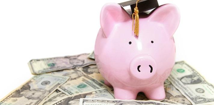 Madrid reducirá las tasas universitarias del curso 2015-2016 en un 10%