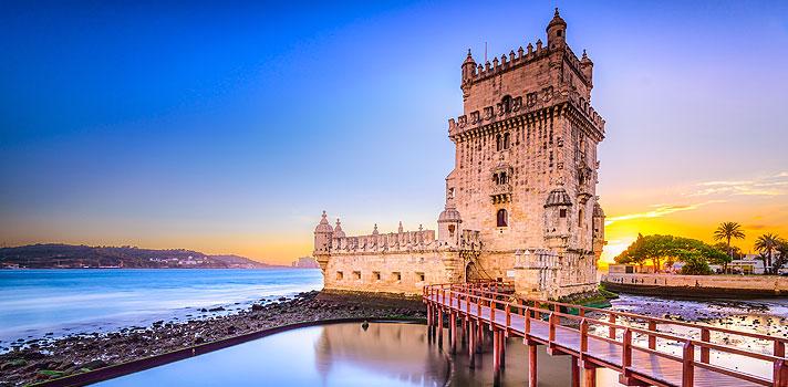 <p>Os alunos que prestaram o <strong>Exame Nacional do Ensino Médio (Enem)</strong> poderão usar as notas das provas para entrar em mais <strong><a title=Mais uma instituição portuguesa usará o Enem em seu processo seletivo href=https://noticias.universia.com.br/destaque/noticia/2015/11/11/1133581/instituicao-portuguesa-usara-enem-processo- seletivo.html>quatro instituições de ensino superior de Portugal</a></strong>. A novidade foi divulgada nesta quarta-feira (2) pelo <strong>Instituto Nacional de Estudos e Pesquisas Educacionais Anísio Teixeira (Inep)</strong>.</p><p></p><p><span style=color: #333333;><strong>Você pode ler também:</strong></span><br/><br/><a style=color: #ff0000; text-decoration: none; text-weight: bold; title=Confira os gabaritos oficiais do Enem 2015 href=https://noticias.universia.com.br/destaque/noticia/2015/10/28/1132996/confira-gabaritos-oficiais-enem-2015.html>» <strong>Confira os gabaritos oficiais do Enem 2015</strong></a><br/><a style=color: #ff0000; text-decoration: none; text-weight: bold; title=Entenda por que estudar para o Enem é cada vez mais importante href=https://noticias.universia.com.br/destaque/noticia/2015/10/13/1132229/entenda-estudar-enem-cada-vez-importante.html>» <strong>Entenda por que estudar para o Enem é cada vez mais importante</strong></a><br/><a style=color: #ff0000; text-decoration: none; text-weight: bold; title=Todas as notícias de Emprego href=https://noticias.universia.com.br/emprego>» <strong>Todas as notícias de Emprego</strong></a></p><p></p><p>A partir de 2016, <strong>as universidades de Lisboa e de Aveiro e os Institutos politécnicos de Coimbra e Guarda</strong> também vão começar a utilizar os resultados do exame para o processo seletivo de estudantes brasileiros.</p><p></p><p>Serão diversas oportunidades em áreas como educação, saúde, turismo e hotelaria, comunicação e muitas outras. Por exemplo, no caso da Universidade de Lisboa, que é a maior do país, com aproximadamente 45 mil alunos, cerca de 20%