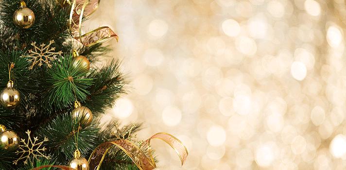 """<p>Quando o mês de dezembro chega, <strong>somos contagiados pela magia do Natal</strong>. Com pinheiros enfeitados, decorações coloridas e papais noel por todos os lado, é praticamente impossível não sentir-se envolvido pela atmosfera da festa.</p><p></p><p><span style=color: #333333;><strong>Você pode ler também:</strong></span><br/><br/><a style=color: #ff0000; text-decoration: none; text-weight: bold; title=Inspire-se com 10 frases de livros infantis href=https://noticias.universia.com.br/cultura/noticia/2015/10/07/1132142/inspire-10-frases-livros-infantis.html>» <strong>Inspire-se com 10 frases de livros infantis</strong></a><br/><a style=color: #ff0000; text-decoration: none; text-weight: bold; title=20 frases inspiradoras sobre sucesso href=https://noticias.universia.com.br/destaque/noticia/2015/01/16/1118353/20-frases-inspiradoras-sobre-sucesso.html>» <strong>20 frases inspiradoras sobre sucesso</strong></a><br/><a style=color: #ff0000; text-decoration: none; text-weight: bold; title=Todas as notícias de Cultura href=https://noticias.universia.com.br/cultura>» <strong>Todas as notícias de Cultura</strong></a></p><p></p><p>O problema é que, todos os anos, ficamos tão preocupados em comprar os presentes, preparar as comidas da noite do dia 24 de dezembro e mandar cartões para todos os familiares e amigos que acabamos nos esquecendo do <strong>verdadeiro sentido do Natal</strong>.</p><p></p><p>Para entrar no clima da festa, relembrar a importância da comemoração e também dar ideias inspiradoras para os cartões natalinos, preparamos uma lista com <strong><a title=9 frases inspiradoras de Neil deGrasse Tyson para refletir sobre sua vida href=https://noticias.universia.com.br/cultura/noticia/2015/09/02/1130699/9-frases-inspiradoras-neil-degrasse-tyson-refletir-sobre-vida.html>7 frases inspiradoras sobre o Natal</a></strong>:</p><p></p><p>""""O Natal não é uma festa. É um sentimento"""", <strong>Edna Ferber, escritora.</strong></p><p></p><p>""""O Natal é para as crianças e """