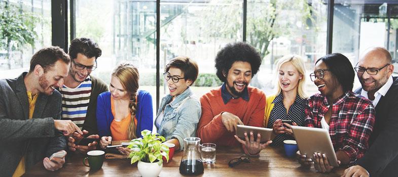 4 mudanças de mentalidade para fazer networking parecer menos horrível