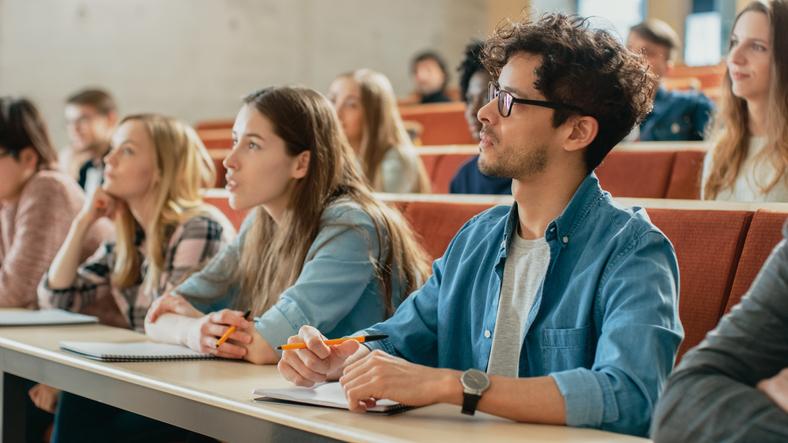 Características del MIR educativo: ¿cómo puede cambiar el futuro de la profesión?