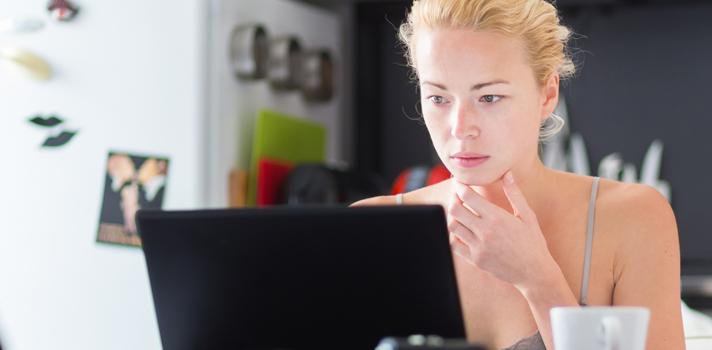 <p>Atuar como freelancer <a title=5 dicas para organizar melhor seu tempo href=https://noticias.universia.com.br/carreira/noticia/2015/08/25/1130286/5-dicas-organizar-melhor-tempo.html>exige muita organização</a>e uma rotina de trabalho diferenciada em relação aos profissionais que trabalham dentro de um escritório. Um dos maiores benefícios de seguir uma carreira dessa forma é que você pode criar os próprios horários e ter mais autonomia pessoal. No entanto, nem todos os profissionais conseguem ser bons freelancers. <strong> Veja se você conseguiria se enquadrar nessa categoria:</strong></p><p></p><blockquote style=text-align: center;>Cadastre-se <span style=text-decoration: underline;><a id=REGISTRO USUARIOS class=enlaces_med_registro_universia title=Cadastre-se aqui para receber dicas de carreira href=https://usuarios.universia.net/registerUserComplete.action?idC=2&idS=NOTICIAS_BR target=_blank>aqui</a></span> para receber dicas de carreira</blockquote><p><span style=color: #333333;><strong>Você pode ler também:</strong></span><br/><a style=color: #ff0000; text-decoration: none; text-weight: bold; title=5 sites para facilitar o trabalho como freelancer href=https://noticias.universia.com.br/carreira/noticia/2015/08/27/1130399/5-sites-facilitar-trabalho-freelancer.html>» <strong>5 sites para facilitar o trabalho como freelancer</strong></a><br/><a style=color: #ff0000; text-decoration: none; text-weight: bold; title=Descubra como ser um freelancer na faculdade href=https://noticias.universia.com.br/vida-universitaria/noticia/2014/07/14/1100569/descubra-freelancer-faculdade.html>» <strong>Descubra como ser um freelancer na faculdade</strong></a><br/><a style=color: #ff0000; text-decoration: none; text-weight: bold; title=Todas as notícias de Carreira href=https://noticias.universia.com.br/carreira>» <strong>Todas as notícias de Carreira</strong></a></p><p></p><p><strong> 1 – Você não gosta da<a title=5 formas para ajustar sua rotina e torná-la mais produtiva href=h