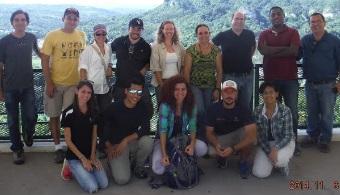 """<p style=text-align: justify;>Un grupo de planificadores, oceanógrafos, biólogos, geógrafos, hidrólogos, expertos en salud pública y en la técnica de percepción remota, realiza su <strong>primer encuentro</strong> en la <strong>Escuela de Planificación de la <a title=Universidad de Puerto Rico, Recinto de Río Piedras (UPR-RP) - Estudios Universia href=https://estudios.universia.net/puerto-rico/institucion/universidad-puerto-rico-recinto-rio-piedras>Universidad de Puerto Rico, Recinto de Río Piedras (UPR-RP)</a></strong>, para discutir los avances del proyecto <strong>""""Human Impact to Costal Ecosystems in Puerto Rico""""</strong> (HICE-PR), auspiciado por la <strong>National Aeronautics and Space Administration (NASA)</strong>.</p><p style=text-align: justify;><br/>El junte interdisciplinario de los científicos tiene como objetivo <strong>estudiar el impacto humano en los ecosistemas costeros de Puerto Rico</strong>. El estudio se centra en <strong>cómo los cambios de uso de terreno afectan la sedimentación en el Río Grande de Manatí y el Río Loco de Yauco</strong>, y cuáles son las <strong>consecuencias de esa sedimentación</strong> en los componentes de las costas (playas, mangles y arrecifes). """"Realmente es un tema muy importante y que actualmente se está debatiendo y hablando mucho en los medios locales de Puerto Rico"""", indicó la<strong> Dra. Barreto Orta</strong>, catedrática de <strong>UPR-RP</strong> e investigadora principal del proyecto.</p><p style=text-align: justify;><br/>Se trata de la primera vez que todos los colaboradores de la investigación se reúnen al mismo tiempo para presentar los trabajos realizados al momento sobre el proyecto y planificar las estrategias para la próxima fase. Así como discutir la integración al estudio de miembros de las comunidades y las agencias locales, federales y sin fines de lucro pertinentes.</p><p style=text-align: justify;></p><p style=text-align: justify;>""""Nosotros esperamos que la información que surja de este gran enc"""