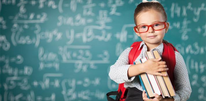 """<p>¿Cuántas preguntas rondan por nuestra mente a la hora de elegir un colegio?. Y no es para menos. El<strong> educador Idel Vexler</strong> expresa que la elección de una escuela """"es fruto de la relación confiable entre los padres y el colegio"""".</p><p><strong>""""La escuela es el segundo hogar de los niños""""</strong> es una de las frases más escuchadas en el ámbito educativo-familiar. Los chicos pasan muchas horas dentro de la institución, y es importante que se sientan cómodos y a gusto en su<strong> """"segundo hogar""""</strong>.</p><p>La <strong>elección de la mejor escuela</strong> no es tarea fácil; significa realizar una gran labor de investigación, que requiere tiempo y ganas. Elegir supone tomar decisiones y dejar opciones fuera.</p><p><strong><span style=color: #ff0000;>Estos son algunos aspectos a tener en cuenta a la hora de escoger un colegio:</span></strong></p><ul><li>Valores del colegio</li><li>Objetivos de la institución</li><li>Cantidad de alumnos y docentes por aula</li><li>Localización del colegio</li><li>Importancia que le brindan a los idiomas</li><li>Actividades extracurriculares</li><li>Equipo de Orientación psicopedagógica y psicológica</li><li>Condiciones de ingreso</li><li>Aspecto económico (cuotas y matrículas, pagos extras, progresión de las cuotas entre niveles)</li></ul><p><strong><span style=color: #ff0000;>Cosas que no debes hacer:</span></strong></p><ul><li>Tomar la decisión en poco tiempo</li><li>Valorar en exceso un solo aspecto de la institución</li><li>Interesarse solo en los docentes; todo el personal es importante</li><li>Olvidarse de la orientación psicopedagógica y la atención personalizada</li></ul><p></p><div><iframe width=650 height=899 style=overflow-y: hidden; display: block; margin-left: auto; margin-right: auto; frameborder=0 scrolling=no src=https://magic.piktochart.com/embed/19450238-identicole></iframe><br/><br/></div><br/><br/><br/><br/><a href=https://usuarios.universia.net/registerUser.action?idC=7&idS=NOTICIAS target=_b"""
