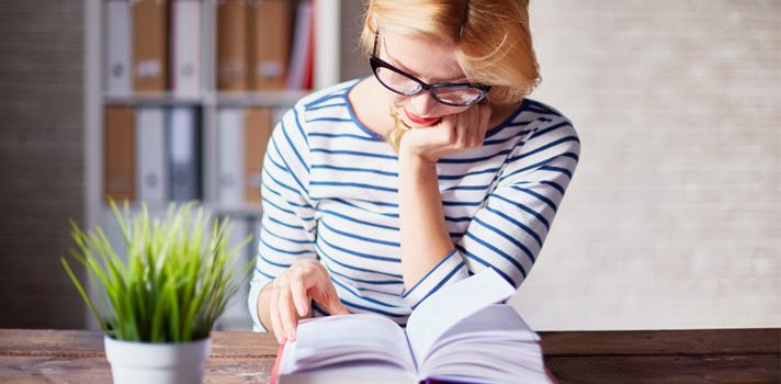 Se deves escolher uma universidade ou escola de negócios vai depender dos teus objetivos de carreira