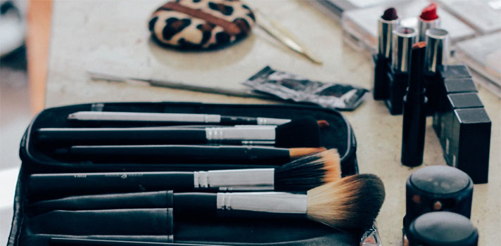 Os melhores cursos de maquilhagem e caraterização
