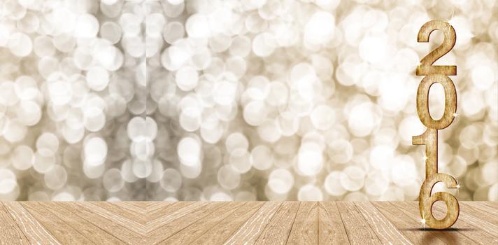 <p><a title=5 cursos online grátis para começar 2016 com o pé direito href=https://noticias.universia.com.br/destaque/noticia/2015/12/03/1134342/5-cursos-online-gratis-comecar-2016-pe-direito.html><strong>No último mês do ano</strong></a>, quando chega o período de festas, <strong>é comum que muitas pessoas desacelerem o ritmo</strong> para aproveitar as férias com os amigos e família. Apesar de ser um momento mais tranquilo, isso não significa que não seja possível aproveitá-lo de uma forma produtiva: <strong>esse pode ser um ótimo momento para <a title=Quer atingir o sucesso? Comece a planejar seu futuro agora href=https://noticias.universia.com.br/vida-universitaria/noticia/2015/03/04/1120928/quer-atingir-sucesso-comece-planejar-futuro-agora.html>começar um planejamento</a></strong><a title=Quer atingir o sucesso? Comece a planejar seu futuro agora href=https://noticias.universia.com.br/vida-universitaria/noticia/2015/03/04/1120928/quer-atingir-sucesso-comece-planejar-futuro-agora.html><strong>de ano-novo</strong></a>, já que a mente costuma estar menos sobrecarregada para pensar naquelas metas que desejam ser alcançadas no futuro.</p><p></p><p><span style=color: #333333;><strong>Você pode ler também:</strong></span><br/><a style=color: #ff0000; text-decoration: none; text-weight: bold; title=Quer atingir suas metas mais facilmente? Faça listas! href=https://noticias.universia.com.br/carreira/noticia/2015/05/20/1125359/quer-atingir-metas-facilmente-faca-listas.html>» <strong>Quer atingir suas metas mais facilmente? Faça listas!</strong></a><br/><a style=color: #ff0000; text-decoration: none; text-weight: bold; title=5 características essenciais para atingir seus objetivosprofissionais href=https://noticias.universia.com.br/carreira/noticia/2015/09/21/1131374/5-caracteristicas-essenciais-atingir-objetivos-profissionais.html>»<strong>5 características essenciais para atingir seus objetivos profissionais</strong></a><br/><a style=color: #ff0000; text-decoration: non