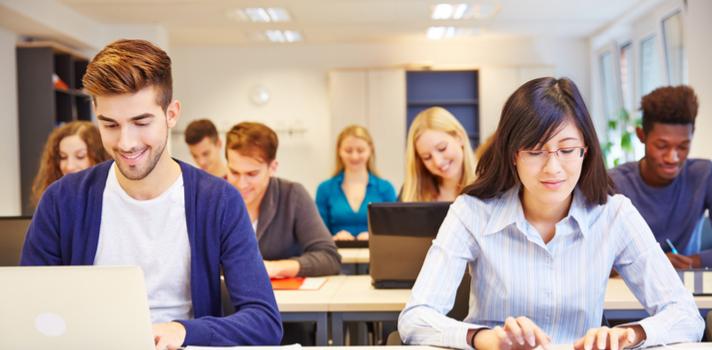 Estudiar en grupo puede ayudarte a marcar un ritmo y respetar los tiempos para cada actividad
