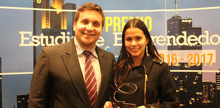 Gabriel Maya y Nathaly Millán ganadores del Premio al Estudiante Emprendedor EO 2016-2017.