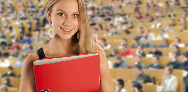 El número de jóvenes que accede a una educación superior sigue en aumento
