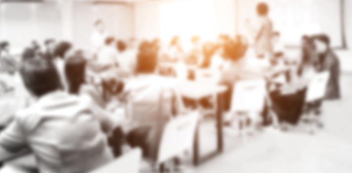 Quase metade dos professores não têm formação na área em que lecionam, diz pesquisa
