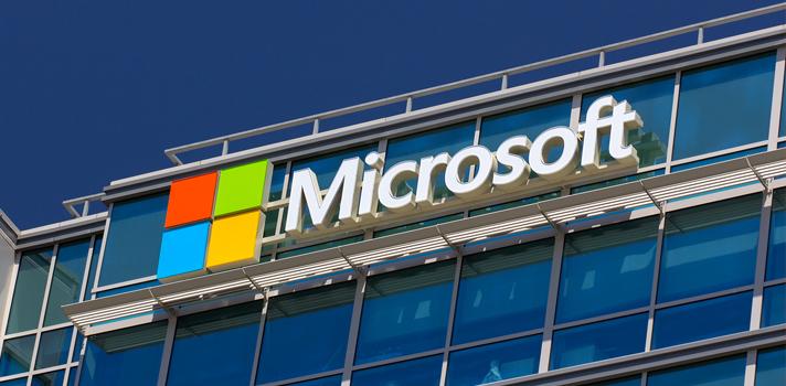 <p>Estão abertas as inscrições para o programa <strong>Microsoft Students to Business (S2B)</strong>, que oferece <strong><a title=5 cursos online e gratuitos para aprender uma língua estrangeira href=https://noticias.universia.com.br/destaque/noticia/2015/09/08/1130928/5-cursos-online-gratuitos-aprender-lingua-estrangeira.html>cursos online e gratuitos</a>na área de TI (Tecnologia da Informação)</strong>, com o objetivo de <strong>aumentar a capacitação profissional</strong>dos jovens, aproximando-os do mercado de trabalho. Para acompanhar as principais informações sobre o programa, os candidatos podem fazer a inscrição no <strong><a title=página da Microsoft href=https://www.microsoft.com/brasil/programas2b/ target=_blank>site oficial da Microsoft</a></strong>, preenchendo seu nome, localização e endereço de e-mail.</p><p></p><p><span style=color: #333333;><strong>Veja também:</strong></span><br/><a style=color: #ff0000; text-decoration: none; text-weight: bold; title=Confira cursos gratuitos de Tecnologia da Informação do Programa Brasil mais TI href=https://noticias.universia.com.br/destaque/noticia/2015/07/03/1127734/confira-cursos-gratuitos-tecnologia-informacao-programa-brasil-ti.html>»<strong>Confira cursos gratuitos de Tecnologia da Informação do Programa Brasil mais TI</strong></a><br/><a style=color: #ff0000; text-decoration: none; text-weight: bold; title=Conheça cursos online gratuitos do IEL em parceria com o Senai href=https://noticias.universia.com.br/destaque/noticia/2015/09/17/1131372/conheca-cursos-online-gratuitos-iel-parceria-senai.html>»<strong>Conheça cursos online gratuitos do IEL em parceria com o Senai</strong></a><br/><a style=color: #ff0000; text-decoration: none; text-weight: bold; title=Todas as notícias de Educação href=https://noticias.universia.com.br/educacao>» <strong>Todas as notícias de Educação</strong></a></p><p></p><p>Os cursos são oferecidos através da plataforma de capacitação online da Microsoft, o <strong><a title=página d