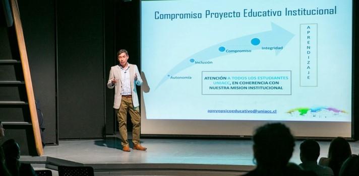 Cristián Ortega, académico de la UNIACC