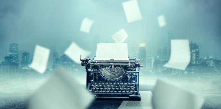 Mientras crean su obra, la mayoría de los escritores trabajan por encargo redactando o traduciendo