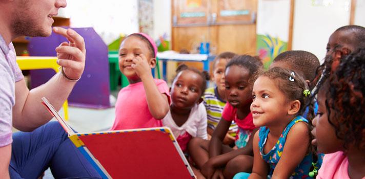El voluntariado dirigido a la infancia es el de mayor popularidad entre los universitarios