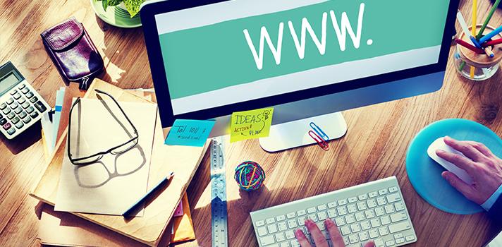 <p>A internet é um espaço que <a title=Estudante confira 3 estratégias para potencializar o seu aprendizado href=https://noticias.universia.com.br/destaque/noticia/2015/03/03/1120803/estudante-confira-3-estrategias-potencializar-aprendizado.html>propicia o aprendizado</a>de diferentes habilidades, por meio de tutoriais, <strong>cursos online</strong> e outras ferramentas digitais. Aqueles estudantes que não se cansam de aprender podem encontrar uma infinidade de formas educativas que os interesse, potencializando até mesmo o desempenho profissional de cada um. A seguir, <strong> confira 4 sites em que você poderá aprender uma nova habilidade: </strong></p><p></p><p><span style=color: #333333;><strong>Você pode ler também:</strong></span><br/><br/><a style=color: #ff0000; text-decoration: none; text-weight: bold; title=Conheça 6 sites que facilitarão seu aprendizado href=https://noticias.universia.com.br/destaque/noticia/2016/02/03/1136028/conheca-6-sites-facilitarao-aprendizado.html>» <strong>Conheça 6 sites que facilitarão seu aprendizado</strong></a><br/><a style=color: #ff0000; text-decoration: none; text-weight: bold; title=Como ajudar seus alunos a transformarem falhas em aprendizado href=https://noticias.universia.com.br/destaque/noticia/2015/11/26/1134099/ajudar-alunos-transformarem-falhas-aprendizado.html>» <strong>Como ajudar seus alunos a transformarem falhas em aprendizado</strong></a><br/><a style=color: #ff0000; text-decoration: none; text-weight: bold; title=Todas as notícias de Educação href=https://noticias.universia.com.br/educacao>» <strong>Todas as notícias de Educação</strong></a></p><p></p><p><strong> 1 –<a title=Duolingo href=https://duolingo.com/ target=_blank>Duolingo</a></strong></p><p>Este site é ótimo para as pessoas que querem aprender ou se aprofundar em determinado idioma. Além de ser um diferencial para a carreira profissional, também aumenta a bagagem cultural. Dentre as opções, você pode optar por estudar inglês, espanhol, alemão ou 