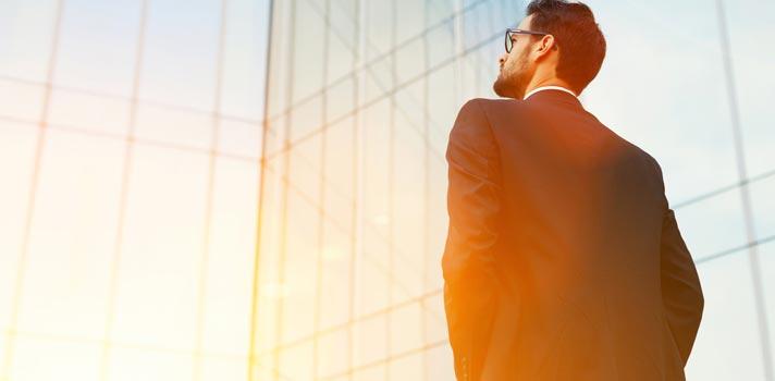Sucesso na carreira: conheça as maneiras simples de crescer para quem está começando