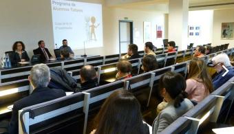 Estudiantes de la UC aprueban materias con ayuda de alumnos-tutores