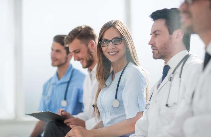 ¿Quieres conocer universidades privadas de medicina, farmacia o enfermería? Aquí encontrarás información para saber cuál es la mejor universidad.