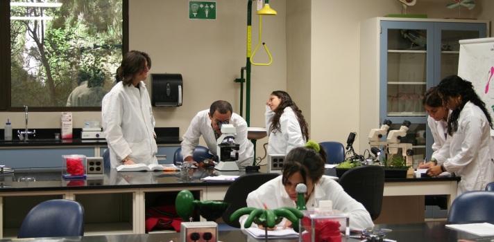 Estudiantes boricuas aportan en la investigación y entendimiento genético de virus bacterianos