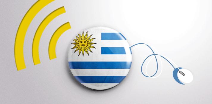 """<p style=text-align: justify;>Uruguay es el país con mayor cantidad de centros educativos conectados a Internet, con mayor expansión de la banda ancha en la educación y el único territorio con una computadora por alumno. Según el <a title=EQUIPAMIENTO Y USO DE LAS TIC EN LOS CENTROS EDUCATIVOS EUROPEOS Y LATINOAMERICANOS href=https://www.viu.es/download/noticias/Informe%20investigaci%C3%B3n%20VIU%20-%20Equipamiento%20y%20utilizaci%C3%B3n%20de%20las%20TIC.pdf target=_blank>informe</a>""""Equipamiento y uso de las TIC en los centros educativos europeos y latinoamericanos"""", desarrollado por la <a title=Universidad Internacional de Valencia href=https://www.viu.es/ target=_blank>Universidad Internacional de Valencia</a>, <strong>""""</strong><strong>los índices únicamente son comparables a los europeos en el caso de Uruguay.""""</strong></p><p style=text-align: justify;>Como base de este estudio se tomaron en cuenta los datos de <strong>cinco países europeos</strong> –Reino Unido, Alemania, Francia, Finlandia y España– y <strong>cinco países latinoamericanos</strong> –Argentina, Brasil, Costa Rica, Chile y Uruguay. Además, se basó el análisis en tres factores: el equipamiento de los centros educativos en materia tecnológica, la integración curricular de las TIC (Tecnologías de la Información y la Comunicación) en los diferentes sistemas educativos analizados y el uso de estas herramientas en los centros educativos por parte de profesores y alumnos.</p><blockquote style=text-align: center;>Uruguay """"representa una de las<strong>escasas</strong><strong>excepciones</strong>a la situación general de Latinoamérica.""""</blockquote><p style=text-align: justify;><strong>La educación más conectada de Latinoamérica</strong></p><p style=text-align: justify;>Uruguay es el único país –entre los 10 relevados– en el que hay <strong>una computadora por cada alumno</strong> tanto en Primaria como en Secundaria. El promedio de este indicador en la Unión Europea es de 6,7 alumnos por equipo (Primaria"""