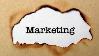 <p style=text-align: justify;>Las marcas deben adaptarse a clientes cada vez más exigentes para seguir siendo relevantes. Los métodos tradicionales de <strong>investigación de marketing</strong> tienen limitantes claras, siendo la principal que los clientes no actúan de la manera reportada por encuestas y focus groups.</p><p style=text-align: justify;></p><p><a style=color: #ff0000; text-decoration: none; title=Sigue toda la actualidad universitaria a través de nuestra página de Facebook href=https://www.facebook.com/pages/Universia-El-Salvador/452458478107950>» <strong>Sigue toda la actualidad universitaria a través de nuestra página de Facebook</strong></a></p><p></p><p><a style=color: #ff0000; text-decoration: none; title=Visita nuestro portal de Becas y descubre las convocatorias vigentes href=https://becas.universia.com.sv/SV/index.jsp>» <strong>Visita nuestro portal de Becas y descubre las convocatorias vigentes</strong></a></p><p></p><p style=text-align: justify;></p><p style=text-align: justify;></p><p style=text-align: justify;>El curso dictado por la <strong><a title=Universidad Francisco Gavidia href=https://estudios.universia.net/elsalvador/institucion/universidad-francisco-gavidia target=_blank>Universidad Francisco Gavidia</a></strong>busca enseñar <strong>Neuromarketing Integral Aplicado</strong> que se centra en descubrimientos de investigaciones sobre el funcionamiento del cerebro que proporcionan información de mayor calidad que los métodos tradicionales.</p><p style=text-align: justify;></p><p style=text-align: justify;></p><p style=text-align: justify;>Estos conocimientos provienen de los campos de la <strong>neurociencia, psicología evolutiva, economía conductual, semiótica, filosofía lean manufacturing y design thinking</strong>, y pueden ser aplicados por empresas grandes y pequeñas con presupuestos variados.</p><p style=text-align: justify;></p><p style=text-align: justify;></p><p style=text-align: justify;>La aplicación de estos conocimiento